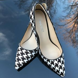 Nine West Houndstooth Fur Heels Size 7 Like New